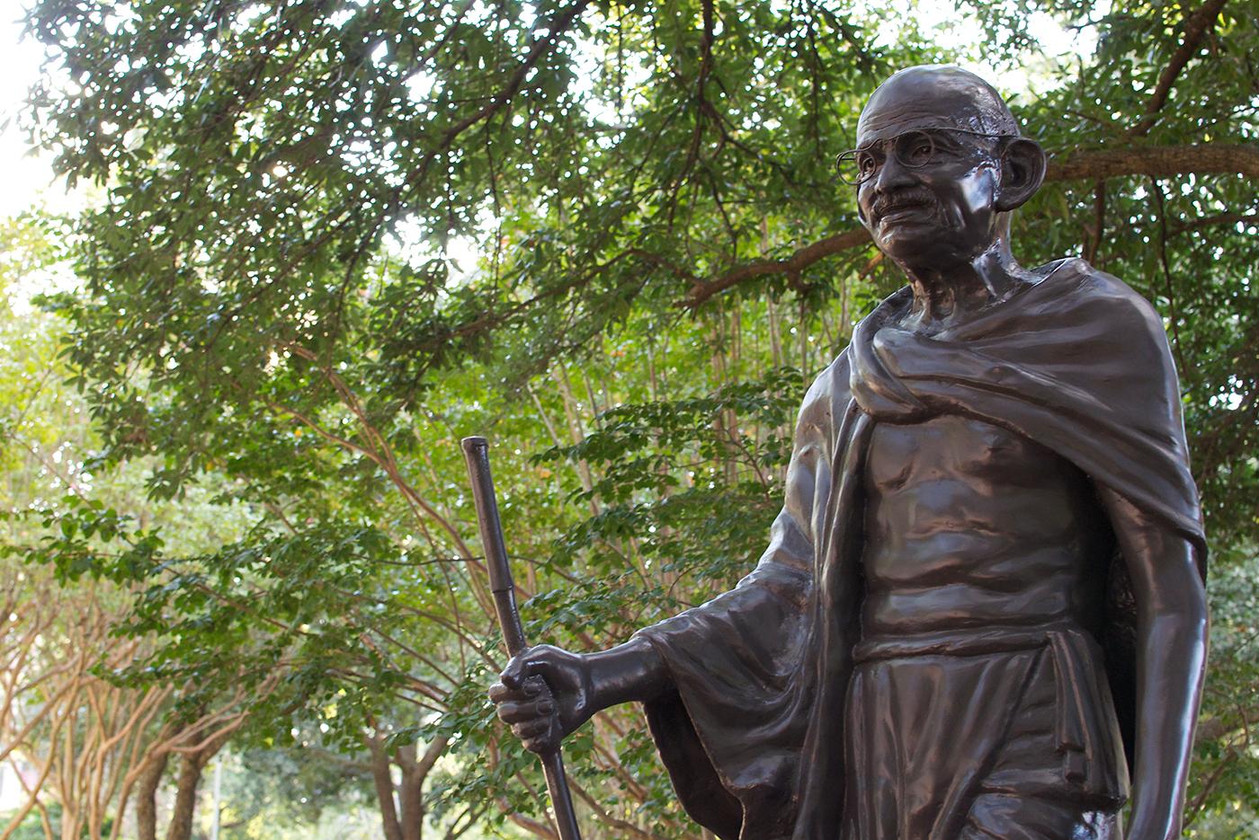 Gandhi Statue to be Refashioned
